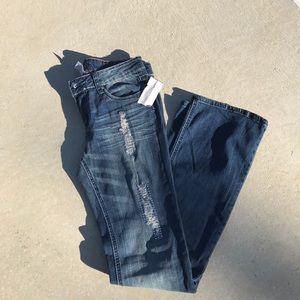 Cache Distressed Jeans NWT Size 4